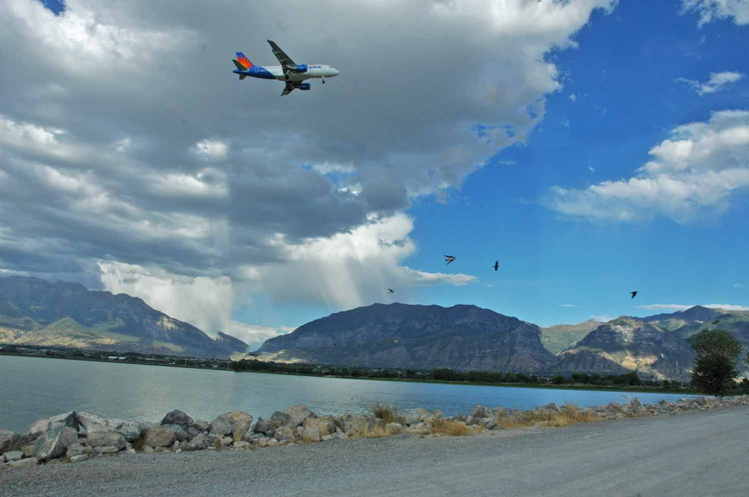 RV park on Utah Lake at Provo - Action in the air...