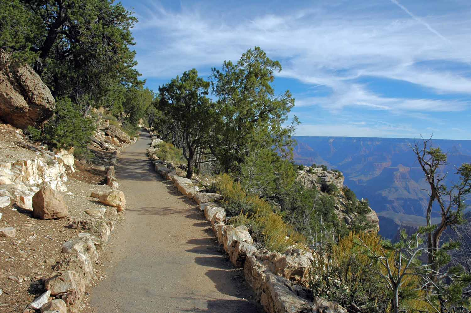 South Rim trail heading west
