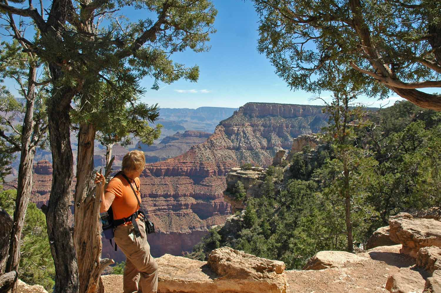 South Rim Trail - East - Time out to enjoy the view