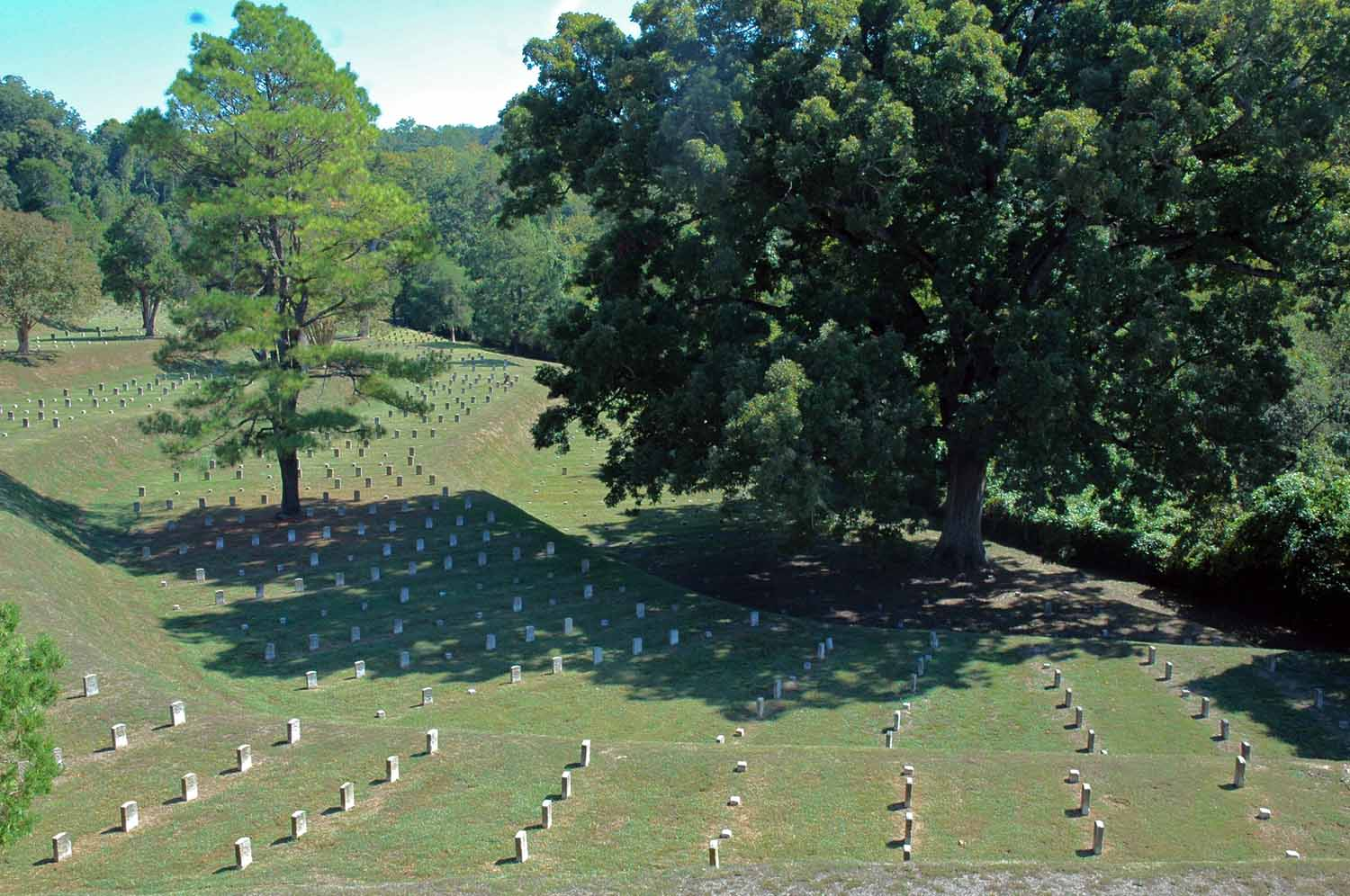 Vicksburg Cemetery - Over 20,000 Confederate and Union soliders lost their lives here...