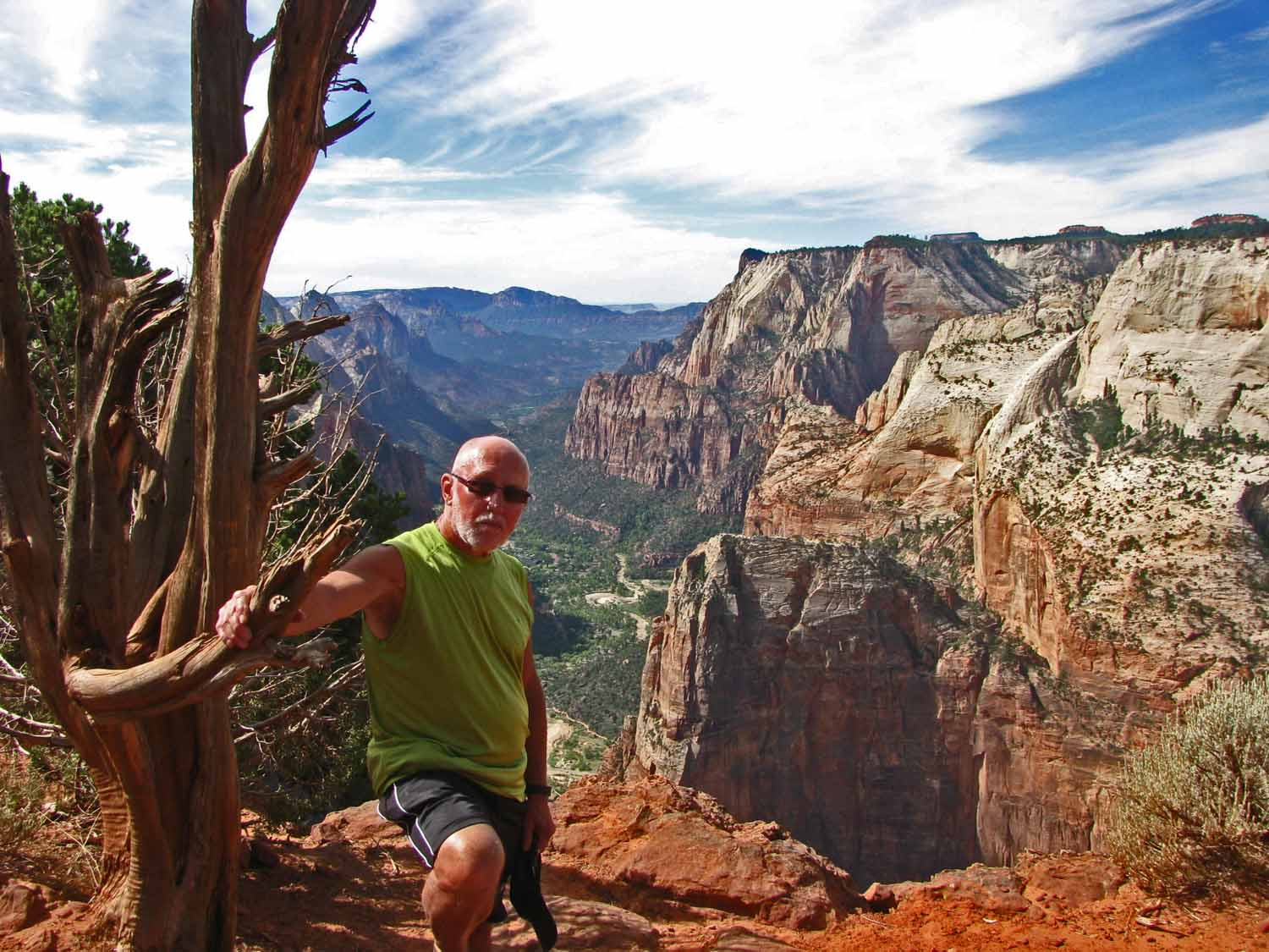 Larry on Zion Inspiration Point...had lunch and ready to head back down the trail