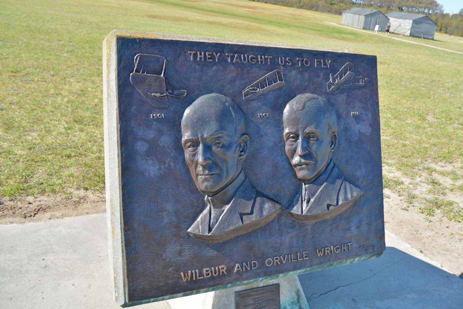 Memorial to Wilbur and Orville