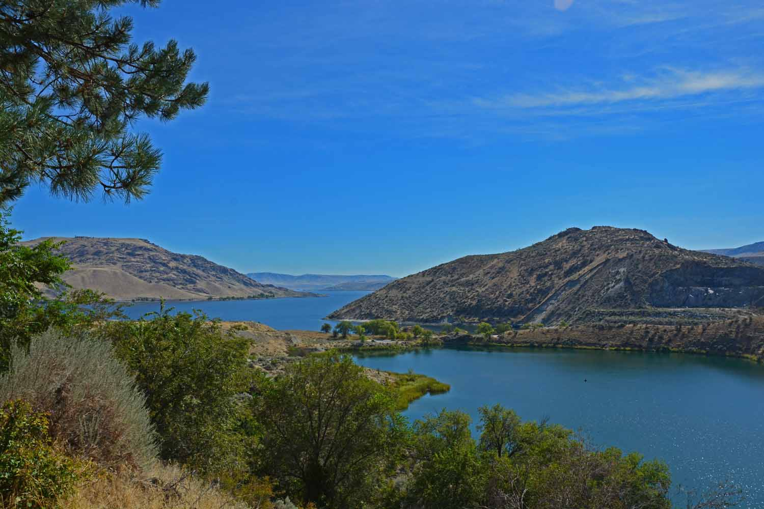 This is the back water on the Columbia River for the Grand Coulee Dam.  Nice view from the top of the hill.