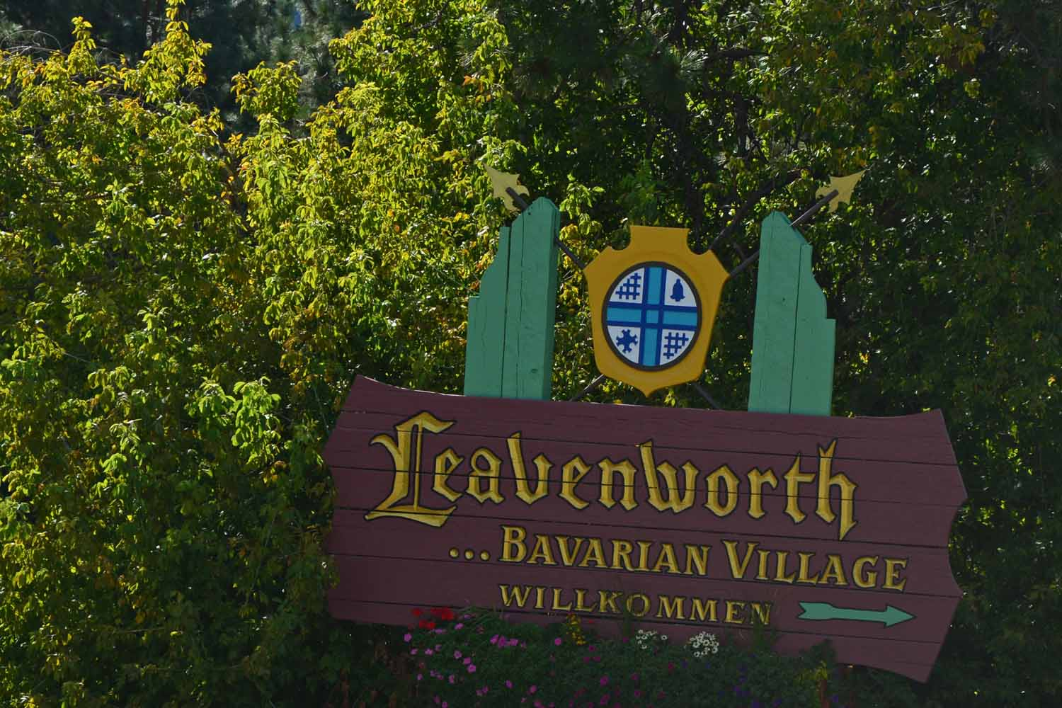 We heard about Leavenworth last time we visited Seattle a decade back.  It is known for its strong German theme.  We planned an overnight.  There was plenty to do and we could have used one more day here.