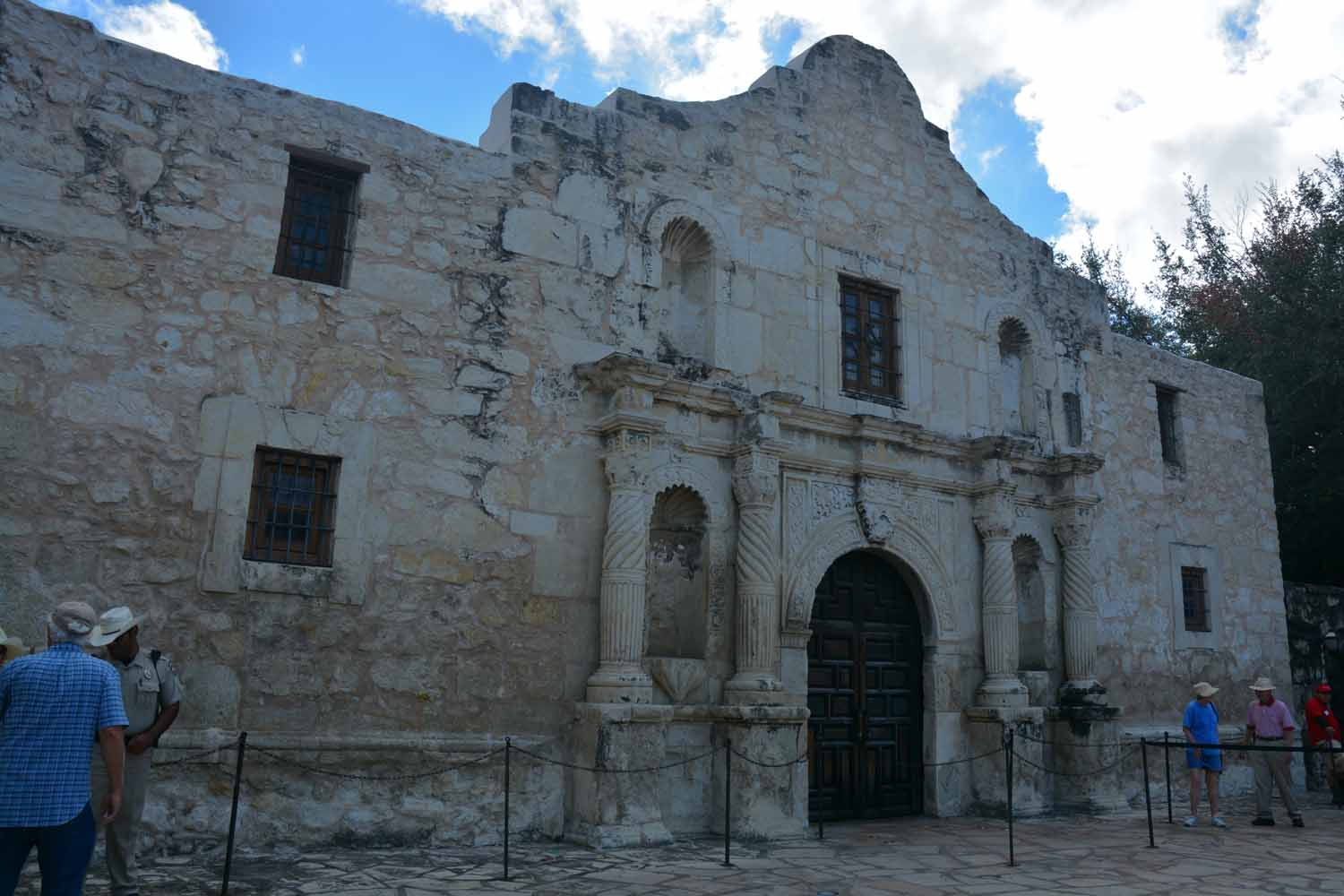 iconic Alamo Shrine...lots of history was made here...