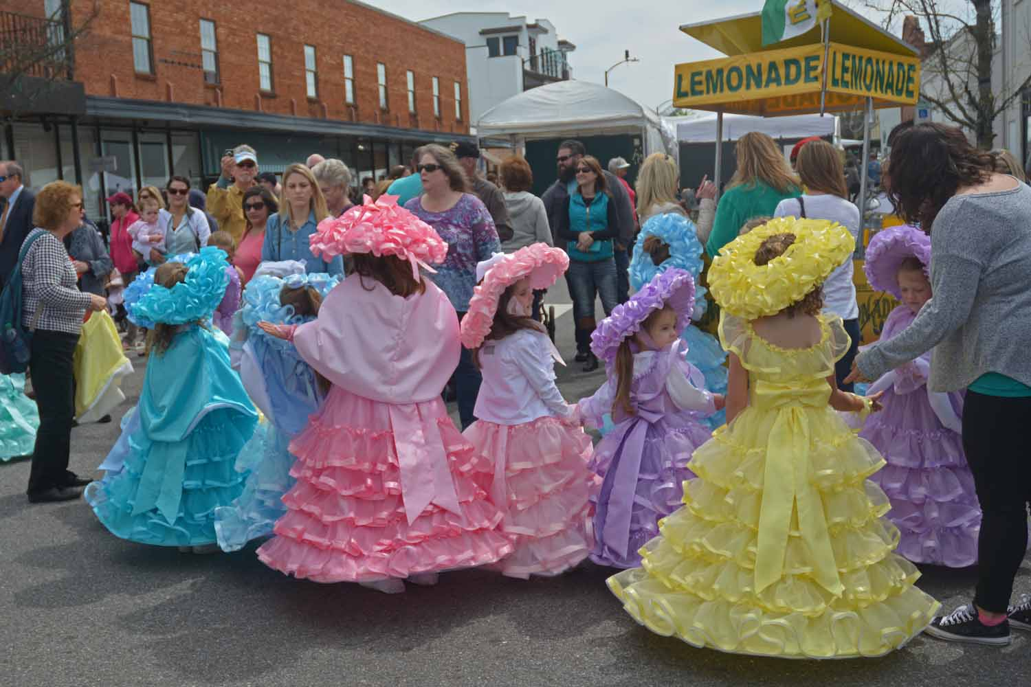 If you come to Mobile for a festival you will find plenty of colorful southern dress