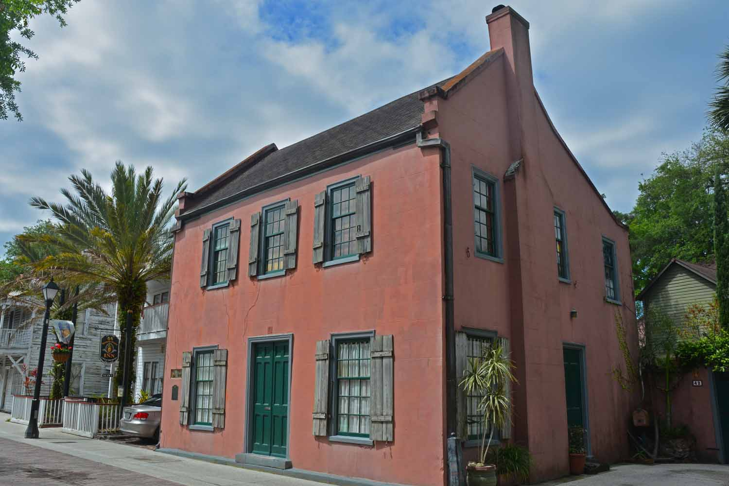 Just loved the colorful houses in Savannah